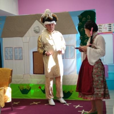 Spektakl teatralny dla Jeżyków i Motylków
